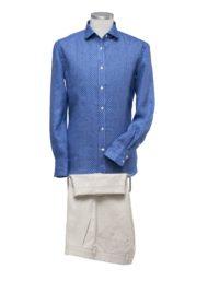 donkerblauw-hemd-beige-broek-op-maat