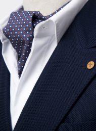 donkerblauw-kostuum-wit-hemd-sjaal-maatwerk