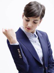 zakelijk-damespak-blauw-hemd-op-maat-dameskleding
